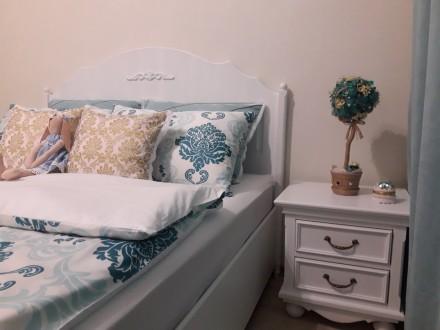 На сайте указана цена за кровать 1600х2000 мм спальное место и две прикроватные . Киев, Киевская область. фото 2