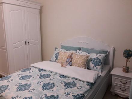 На сайте указана цена за кровать 1600х2000 мм спальное место и две прикроватные . Киев, Киевская область. фото 4