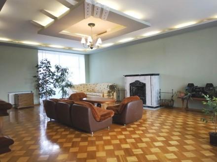 Продам дом на Сухом Фонтане, 300 кв.м. с 2мя гаражами. Николаев. фото 1