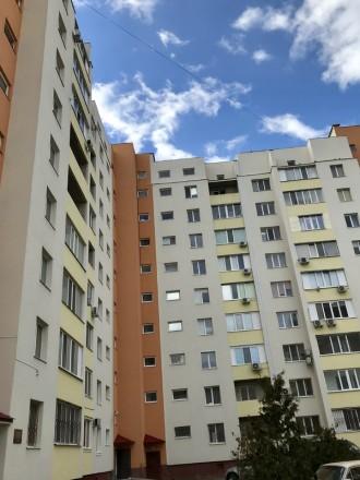 Единственная квартира большой планировки в этом доме. Херсон. фото 1