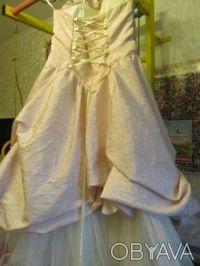 Нарядное платье розовое Цена 350 грн. Состояние хорошее. Покупали на выпуск в 4 . Киев, Киевская область. фото 7