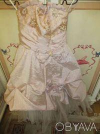 Нарядное платье розовое Цена 350 грн. Состояние хорошее. Покупали на выпуск в 4 . Киев, Киевская область. фото 6