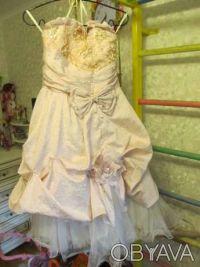 Нарядное платье розовое Цена 350 грн. Состояние хорошее. Покупали на выпуск в 4 . Киев, Киевская область. фото 5