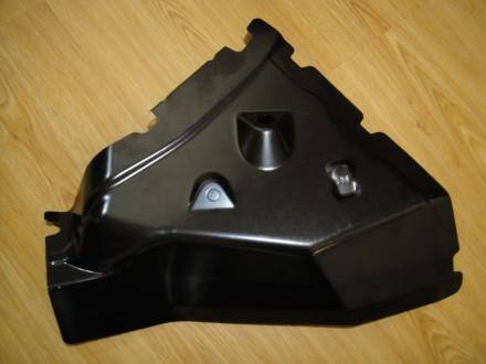 Nissan Leaf: нов. ориг. зад. лев. угол кузова (между крылом и панелью). Мариуполь. фото 1