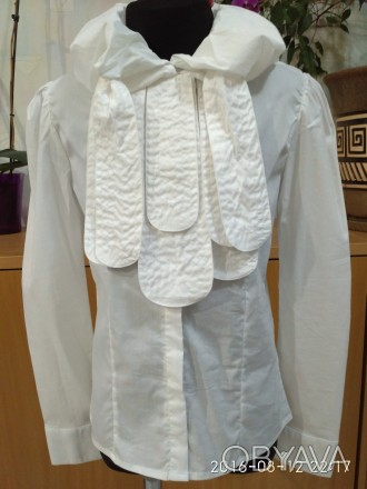 Красивая блузка для девочки в школу -138 размер