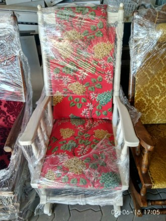 Кресло- качалка деревянное с механизмом устойчивости.Цена за 1 штуку.. Днепр. фото 1