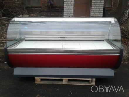 Холодильная витрина 2 м. б/у. Холодильный прилавок б у