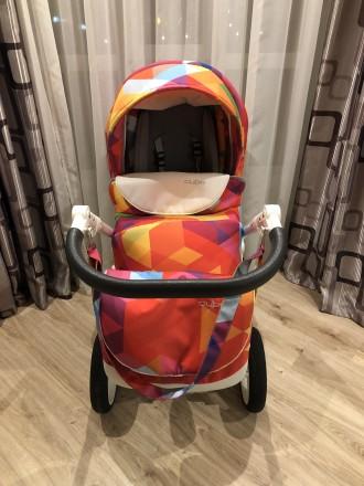 Срочно!! Продам детскую, яркую, очень комфортную коляску Bexa Cube 2 в 1. Чернигов. фото 1