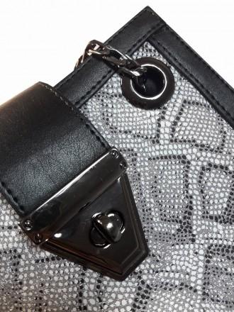 Эта сумка небольшого размера из качественного кожзама станет востребованным луко. Запорожье, Запорожская область. фото 7