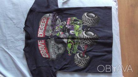 Продам футболку для хлопчика темносинього кольору з надписами.Ріст футболки 43- . Київ, Київська область. фото 1
