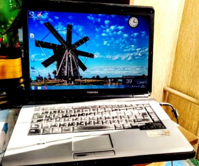 Продам ноутбук Тошиба сателит L300. Киев. фото 1