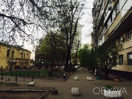 3 кабинета, евроремонт, частично есть офисная мебель, сигнализация, бронедверь, . Печерск, Киев, Киевская область. фото 1