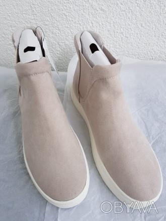 Продам демисезонные ботинки Челси фирмы НМ.  Очень красивые и удобные. Выполнен. Одесса, Одесская область. фото 1