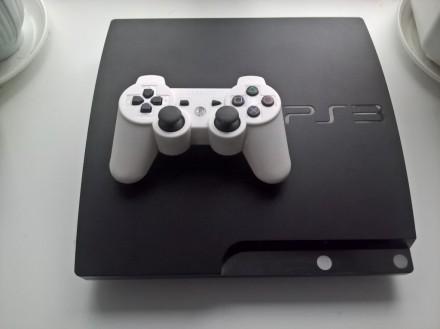 Прошитая PS3 Slim 120 GB + Новый джойстик + Диск в подарок. Васильевка. фото 1