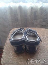 Продам сандалии в нормальном состоянии.Длина стельки 19 см.Все следы носки видно. Киев, Киевская область. фото 4