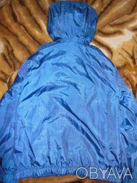 Ветровка для мальчика на 7-8 лет.На правом рукаве есть пятнышко, пыталась показа. Киев, Киевская область. фото 3