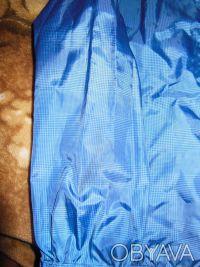 Ветровка для мальчика на 7-8 лет.На правом рукаве есть пятнышко, пыталась показа. Киев, Киевская область. фото 4