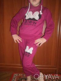Отличные костюмчики на девочку. Маломерят. В наличии размеры: 120 (реально 104. Киев, Киевская область. фото 6