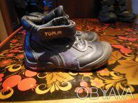 Демисезонные ботинки Tom.m кожа.Есть небольшие потертости, замок на левом туго з. Киев, Киевская область. фото 3