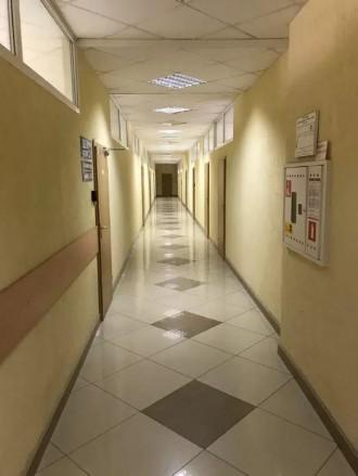 Бизнес-центр находится в самом центре столицы, в его деловой и активной части, г. Центр, Киев, Киевская область. фото 9