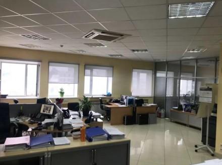 Бизнес-центр находится в самом центре столицы, в его деловой и активной части, г. Центр, Киев, Киевская область. фото 10