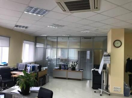 Бизнес-центр находится в самом центре столицы, в его деловой и активной части, г. Центр, Киев, Киевская область. фото 2