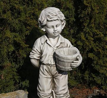 Садовая скульптура Мальчик с цветочным горшком – красивая уличная фигура выполне. Хмельницкий, Хмельницкая область. фото 3