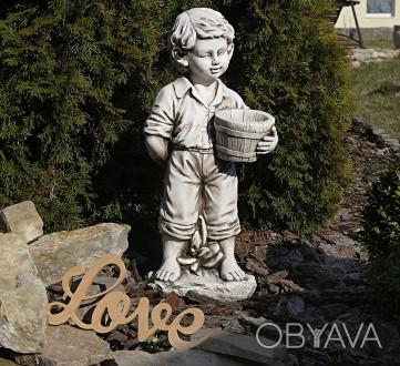 Садовая скульптура Мальчик с цветочным горшком – красивая уличная фигура выполне. Хмельницкий, Хмельницкая область. фото 1