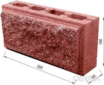 Предприятие производит и реализует бетонные стеновые вибропрессованые блоки.  . Киев, Киевская область. фото 1