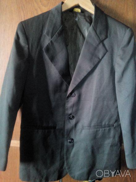Пиджак для мальчика светло-зеленого цвета, состояние нового. Длина 64 см, ширин. Киев, Киевская область. фото 1