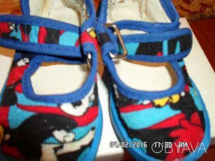 Продаю детские тапочки в отличном состоянии  размер 20- сине-красные размер сте. Киев, Киевская область. фото 1