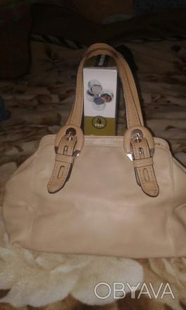 Женская сумка Gilda Tohetti бежевая. Фирма Gilda Tohetti основана в 1970 году, д. Днепр, Днепропетровская область. фото 1