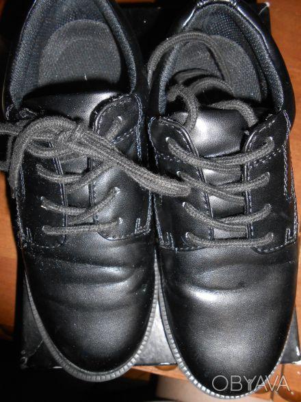 Черные туфли на шнуровке,в отличном состоянии,куплены в США. Отправляю УкрПочто. Київ, Київська область. фото 1