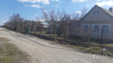 АН Ника продает небольшой уютный домик в с. Владимирское. Дом площадью 71 кв.м. . Запорожье, Запорожская область. фото 1