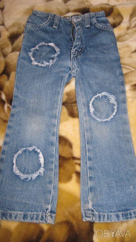 отличные джинсы с высокой талией на девочку 3-3,5 года, пояс сзади на резинке О. Одесса, Одесская область. фото 1