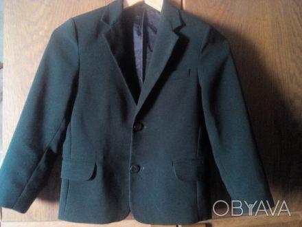 Пиджак школьный темно- зелёного цвета в хорошем состоянии. Есть нюанс немного р. Киев, Киевская область. фото 1