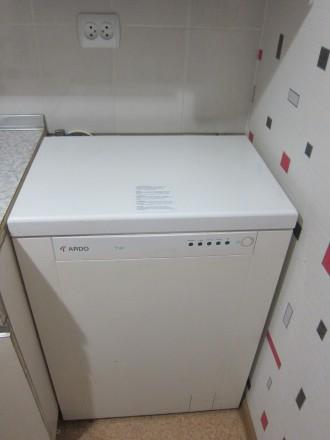продам стиральную машину автомат с вертикальной загрузкой до 5 кг, рабочую. Смела. фото 1