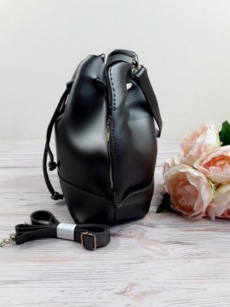 Отличная модель модной сумочки-торбы грушевидной формы, выполненной в классическ. Запорожье, Запорожская область. фото 8