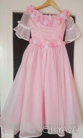 Продам красивое нежное платье. Подойдёт на любое торжество: для выпускного в дет. Днепр, Днепропетровская область. фото 1