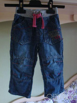 Стильные джинсы в отличном состоянии. 100% хлопок. На возраст 1-2 года, размер . Киев, Киевская область. фото 1