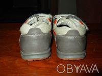 Продам туфли (кроссовки) на мальчика. Верх - кожзам, внутри кожа. Размер 25, по . Чернигов, Черниговская область. фото 5