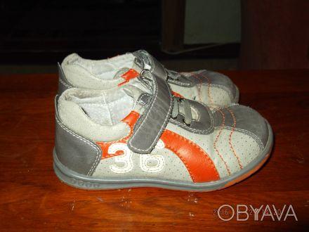 Продам туфли (кроссовки) на мальчика. Верх - кожзам, внутри кожа. Размер 25, по . Чернигов, Черниговская область. фото 1