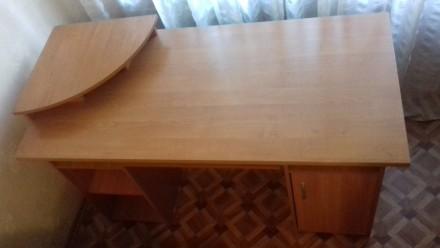Продам письменный стол и книжную полку. Днепр. фото 1