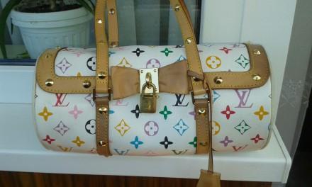 5922457fb860 Сумки Louis Vuitton – купить аксессуары на доске объявлений OBYAVA.ua