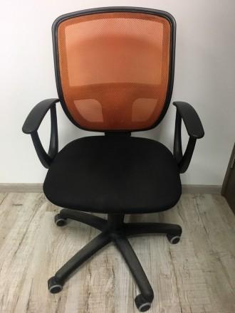 Офисное кресло сетка стул. Львов. фото 1