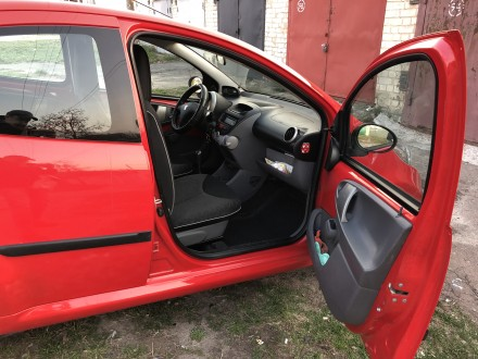 Первый владелец. Два ключа. Сервисная книжка. Автомобиль куплен в марте 2012 год. Чернигов, Черниговская область. фото 7