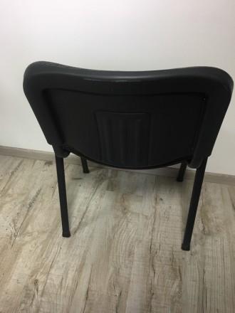 Продаю офисный стул, в наличии есть два. если есть вопросы задавайте. Очень жела. Львов, Львовская область. фото 4
