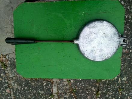 Продам срочно вафельницу, форма для выпечки печенья В хорошем состоянии Диамет. Конотоп, Сумская область. фото 3