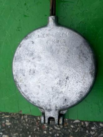 Продам срочно вафельницу, форма для выпечки печенья В хорошем состоянии Диамет. Конотоп, Сумская область. фото 8