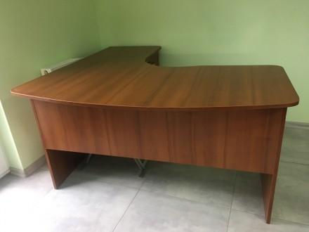 Офисный стол в хорошем состоянии. Размер высота 75 см, ширина стола 71 см,  разм. Львов, Львовская область. фото 3